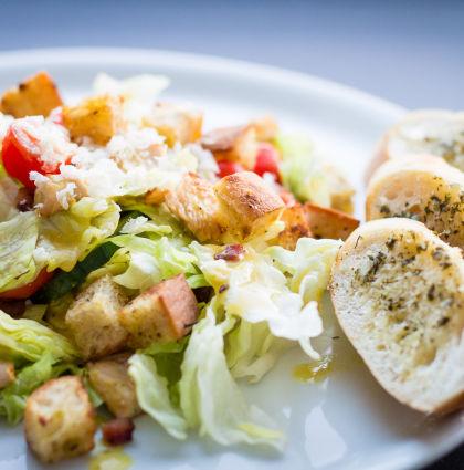 Caesar Salad mit Senf-Dressing